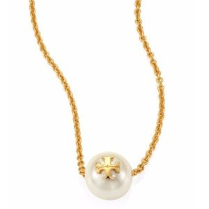Tory Burch pearl necklace NWT